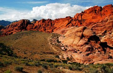 THE ROAD GOES ON – 10 Best Hiking Trails in Colorado