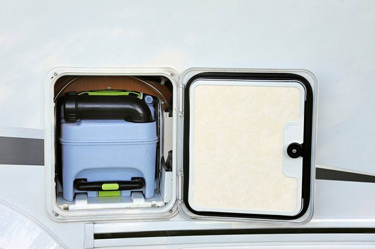 how to clean rv toilet tank